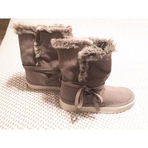 Toms Boots - NWOT
